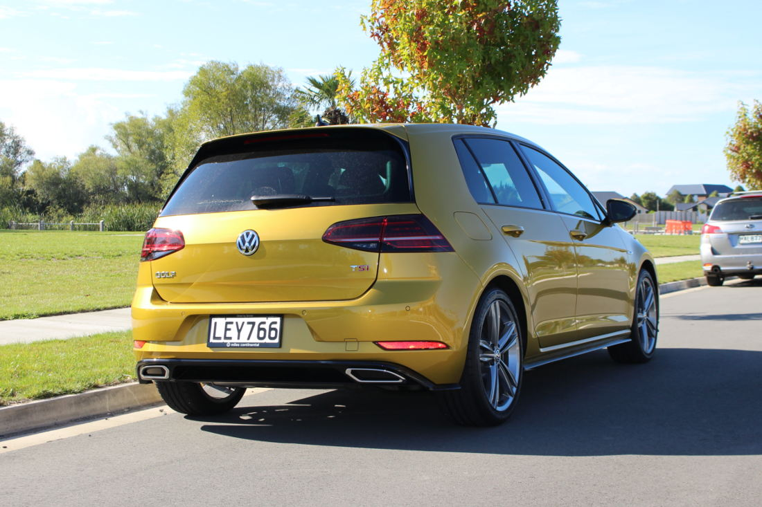 Rear features and exhaust of the Golf R-Line
